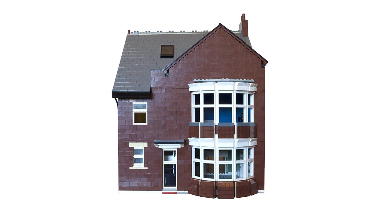 9702 Lego House Flat