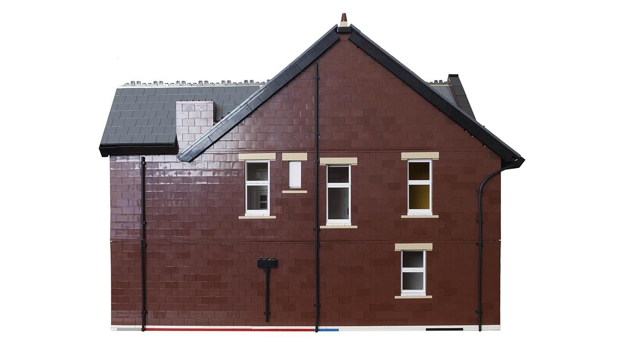 9704 Lego House Flat
