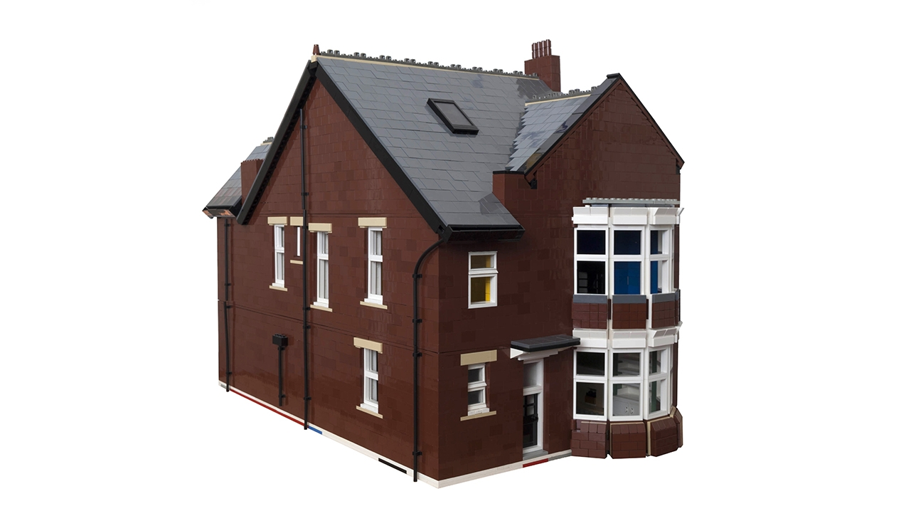 9705 Flat Lego House